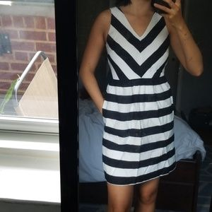 Ann Taylor LOFT chevron striped knited dress